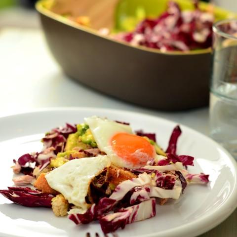 Thunfisch-Spiegeleier-Salat mit Avocado_q (Small)